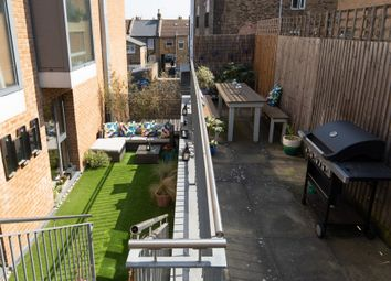 Thumbnail 2 bed flat for sale in Queen'S Road, Peckham