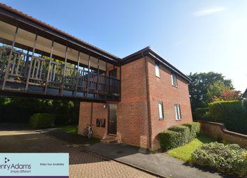 2 bed flat to rent in Sandringham Road, Petersfield GU32