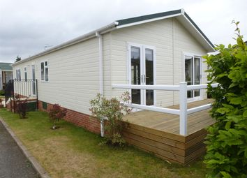 Thumbnail 2 bedroom mobile/park home for sale in Barton Road, Welford On Avon, Stratford-Upon-Avon
