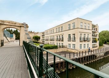 2 bed flat to rent in Victoria Bridge Road, Bath BA1