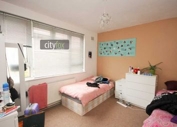 Thumbnail Room to rent in Room 2, Damien Street, London