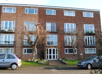 Stortford Hall Park, Bishop's Stortford, Hertfordshire CM23. 2 bed flat