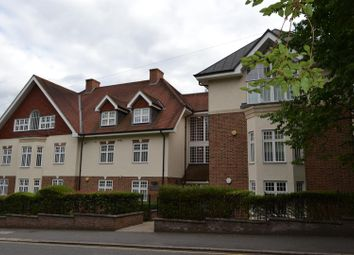 Thumbnail 2 bed flat to rent in Park Road, Radlett