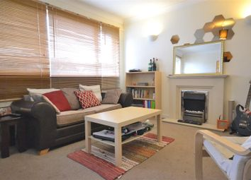 Thumbnail 1 bedroom flat to rent in Kings Road, London