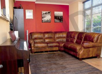 3 bed flat to rent in Cherry Court Acorn Walk, Rotherhithe Street, Canada Water, Southwark SE16