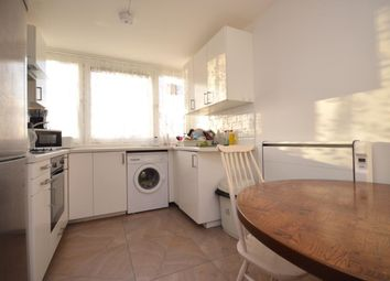 3 bed flat to rent in Willingham Way, Kingston Upon Thames KT1