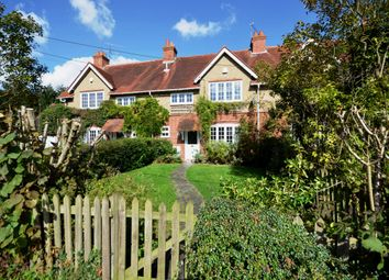 Thumbnail 3 bed cottage to rent in Broad Common Road, Hurst, Reading
