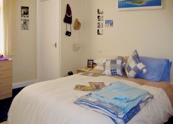 Thumbnail 4 bed flat to rent in Flat 1, 25 Brudenell Road, Hyde Park