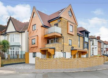 Elm Road, Leigh-On-Sea SS9. 2 bed flat for sale