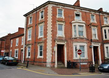 Thumbnail 2 bed flat to rent in Highfield Street, Leicester