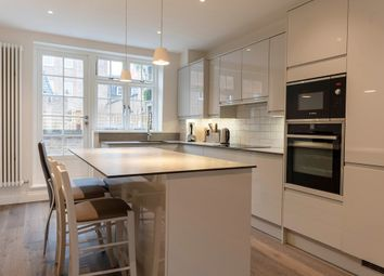 2 bed flat to rent in Stedham Place, London WC1A