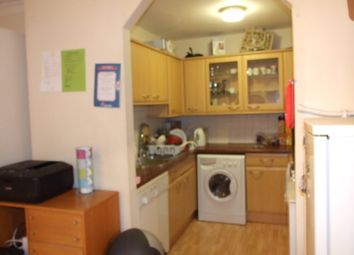 Thumbnail 4 bed flat to rent in Kennet Street, Wapping