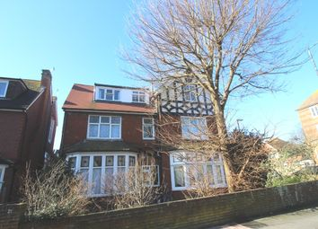2 bed flat to rent in St Annes Road, Eastbourne BN21