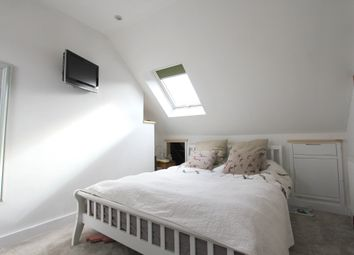 Thumbnail 2 bed flat to rent in Rookery Close, London