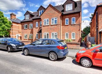 Thumbnail 1 bed flat to rent in Glade Road, Marlow