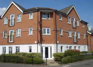 Thumbnail 2 bedroom flat to rent in York Road, Newbury