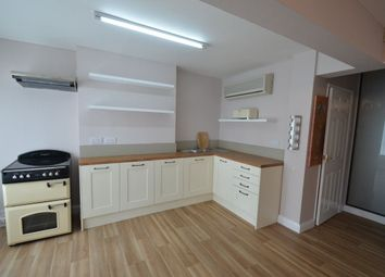 Thumbnail 1 bed flat to rent in Abbey Road, Bourne