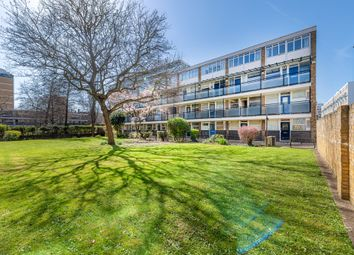 Thumbnail 2 bed flat for sale in Gifford House, Churchill Gardens, Pimlico