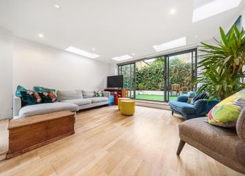 Rattray Road, London SW2. 2 bed flat for sale