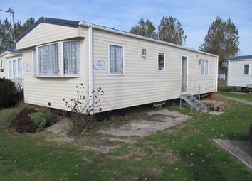 Thumbnail 2 bed mobile/park home for sale in White Horse Leisure Park, Paddock Lane, Selsey, Chichester, West Sussex