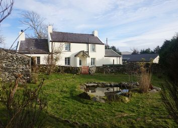 Thumbnail 2 bed cottage for sale in Cilgwyn, Caernarfon