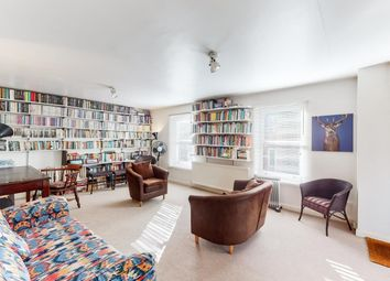 Clarence Road, London E5. 1 bed flat for sale