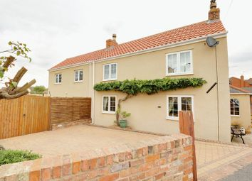 Thumbnail 3 bedroom cottage for sale in Main Street, Althorpe, Scunthorpe