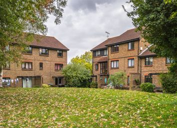 Thumbnail 2 bed flat for sale in Whitecroft, Horley, Surrey