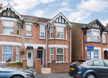 3 bed property for sale in Martin Road, Slough SL1