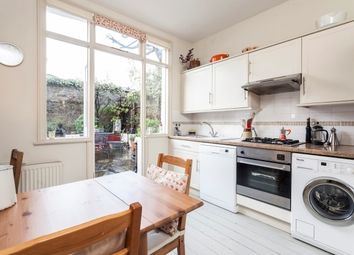 Thumbnail 1 bed flat to rent in Temple Road, Chiswick