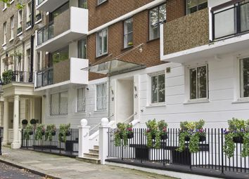 Thumbnail 3 bed flat to rent in Rutland Gate, London