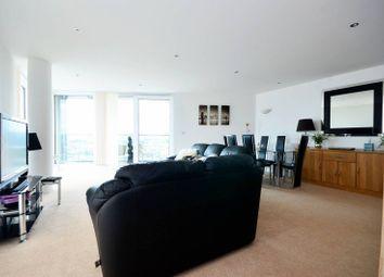 3 bed flat to rent in Alaska Apartments, Royal Docks, London E16