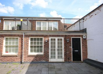 Thumbnail Flat to rent in Bell Street, Henley-On-Thames