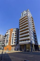 Thumbnail 2 bed flat to rent in Taylor Place, London