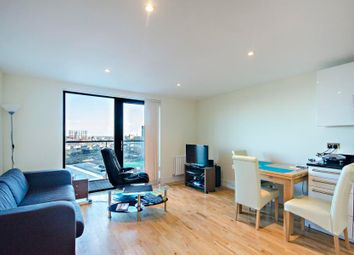 Thumbnail 1 bedroom flat to rent in Parkview Apartments, Canary Wharf