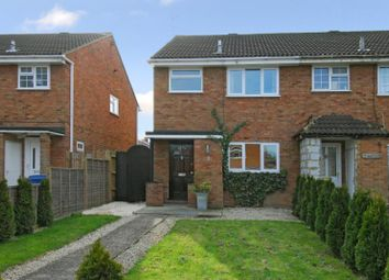 3 bed end terrace house to rent in Firgrove Road, Yateley GU46