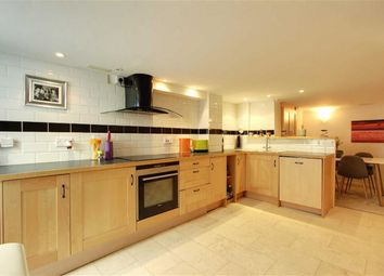 Thumbnail 2 bed flat for sale in Charles Street, Tring