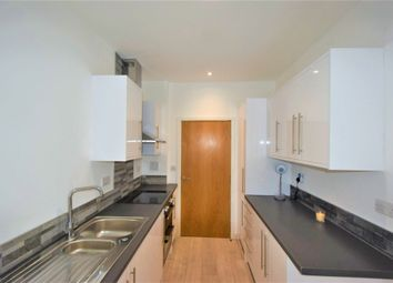 2 bed flat to rent in New Road, Gravesend DA11