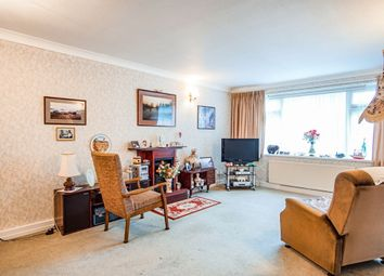 2 bed flat for sale in College Gardens, Worthing BN11