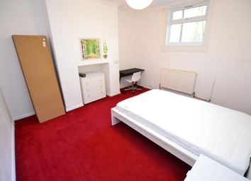 Room to rent in Burdett Road, Mile End, London E14