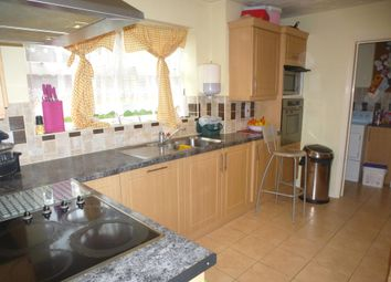 Thumbnail 4 bed property to rent in Jasmin Way, Hemel Hempstead