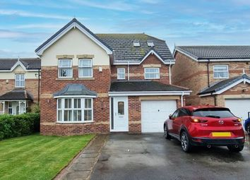 Thumbnail 6 bed detached house for sale in Weald Park, Kingswood, Hull