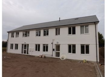 2 bed flat to rent in Pine Walk, Pool, Redruth TR15