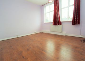 Thumbnail 2 bed flat to rent in Tavistock Place, Chase Side, London