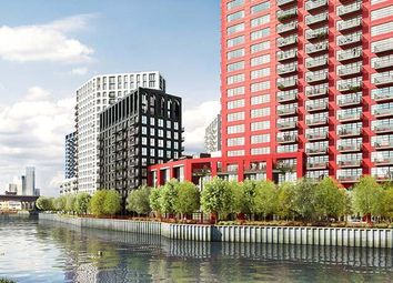 Thumbnail 4 bed flat for sale in Defoe House, City Island
