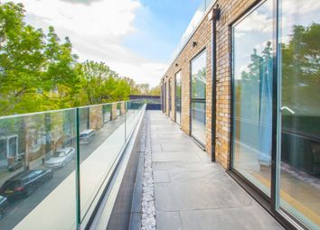 Thumbnail 3 bedroom flat to rent in Ellingfort Road, London Fields