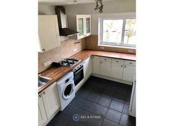 2 bed maisonette to rent in Massey Close, London N11