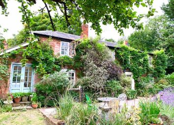 Thumbnail 4 bed detached house for sale in Bath Road, Knowl Hill, Reading