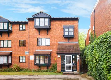 Thumbnail 1 bed flat for sale in Warwick Gardens, London