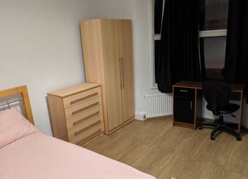 Thumbnail Room to rent in Disreli Road, Stratford London